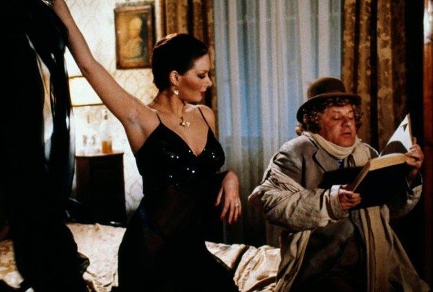 Con Edwige Fenech in 'Dottor Jeckyll e signora' (Lapresse)