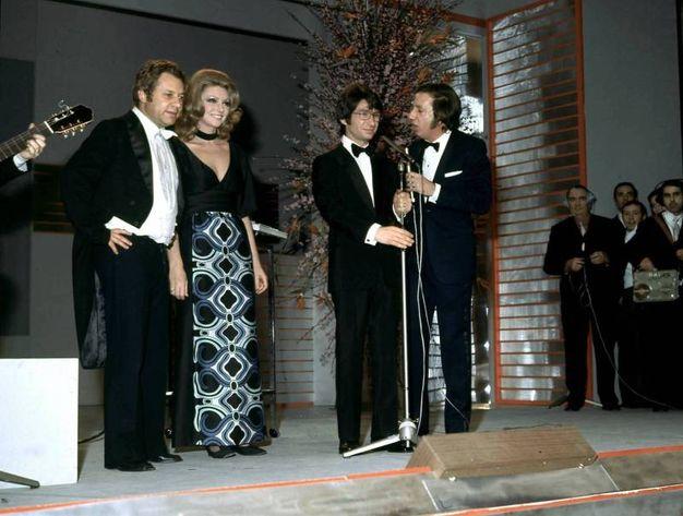 Nel 1972 con Sylva Koscina, Nicola di Bari e Mike Bongiorno (Olycom)