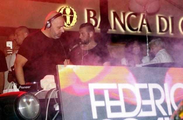 Il dj set di Federico Scavo a Fucecchio. Foto Gianni Nucci/Fotocronache Germogli