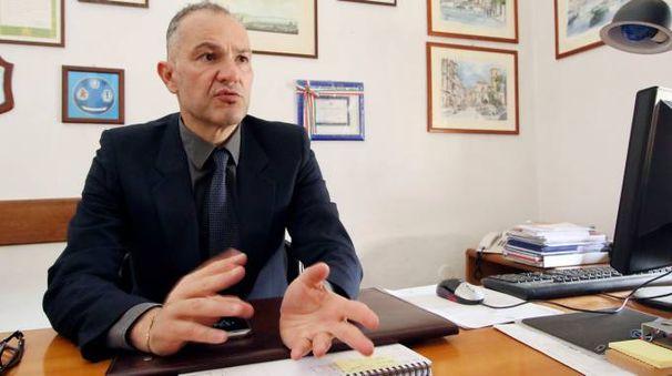 Il dirigente  del commissariato  di polizia di piazza Gramsci, Francesco Zunino, ha coordinato l'intervento