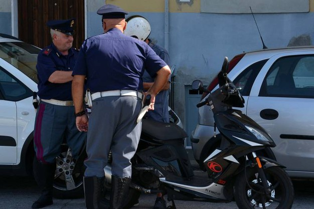 I controlli di Stradale e Volanti (Foto Lanari)