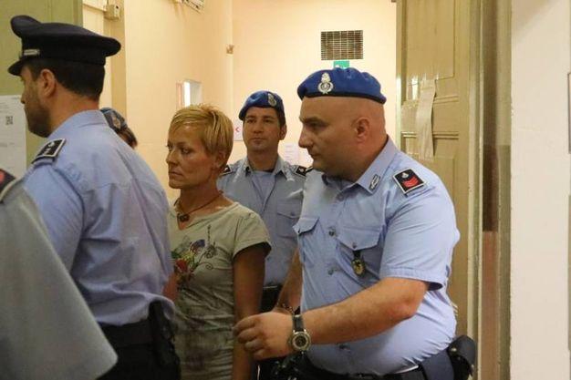 Daniela Poggiali nei corridai della Corte d'Appello di Bologna (foto Schicchi)