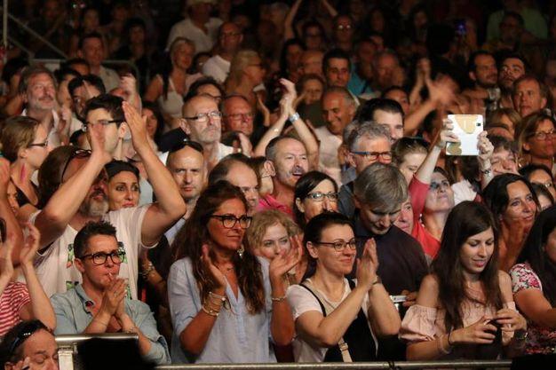 Il pubblico al concerto di Samuele Bersani a Comacchio (foto Samaritani)