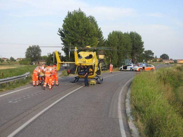 L'elisoccorso che ha portato il motociclista al Bufalini di Cesena (Foto Scardovi)