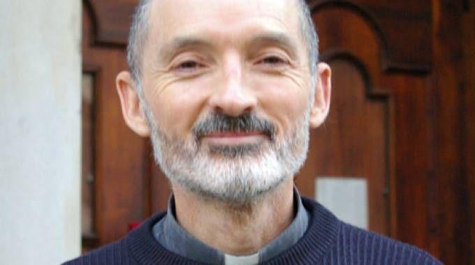 Don Natale Castelli,  59 anni, ex compagno di seminario del nuovo arcivescovo