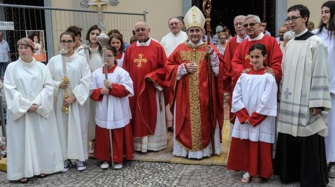Monsignor Mario Delpini a Jerago con Orago (Newpress)