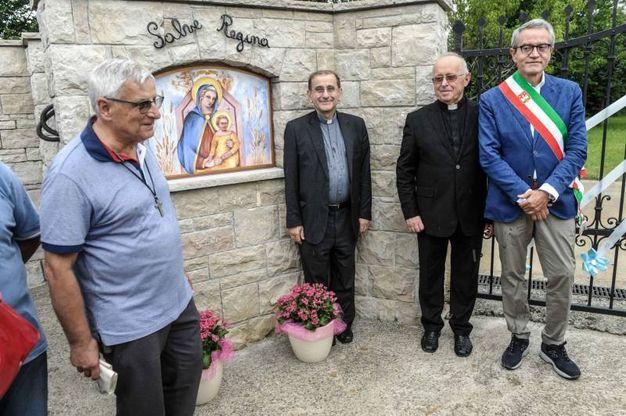 Monsignor Delpini a Jerago con Orago (Newpress)