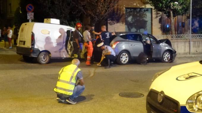 I rilievi dopo l'incidente mortale a Calcinelli di Saltara
