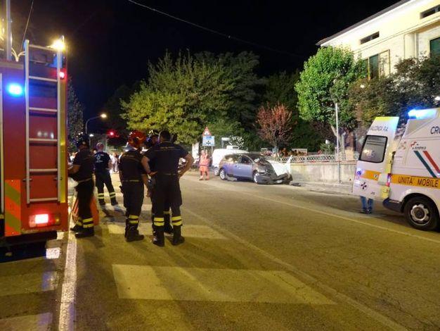 Una donna è morta sul colpo. Il marito è rimasto ferito gravemente ed è morto lunedì mattina
