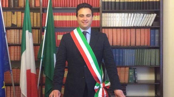 Il sindaco di Besnate Giovanni Corbo (foto dal sito del Comune di Besnate)