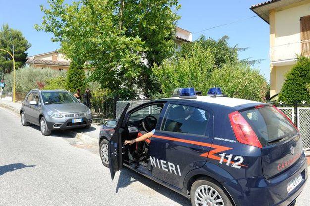 Indagano i carabinieri (Foto Calavita)