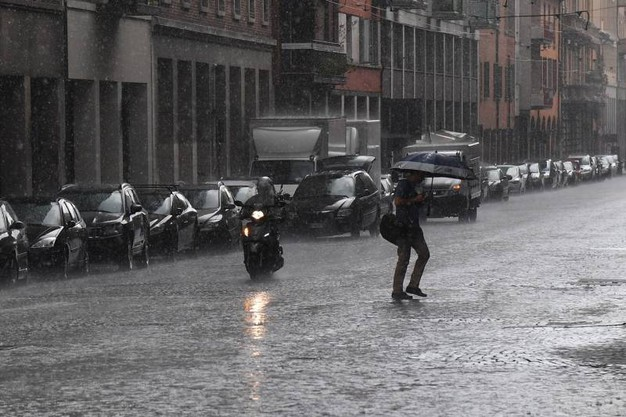 Qualche disagio di scooteristi e pedoni (foto Schicchi)