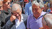 Marco Lucchinelli in lacrime con Giacomo Agostini (IsolaPress)