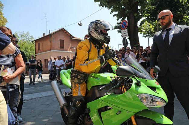 Tanti motociclisti (IsolaPress)