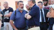 Il dottor Costa con Paolo Beltramo (IsolaPress)