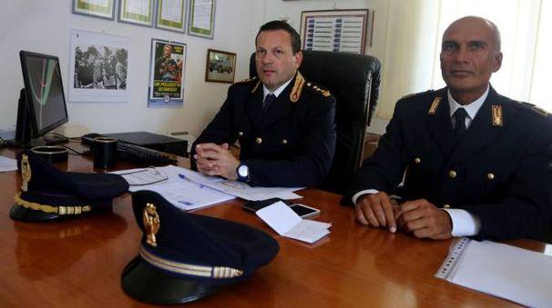 Il dirigente del Commissariato di Cesena, Giorgio Di Munno, con Paolo Di Masi