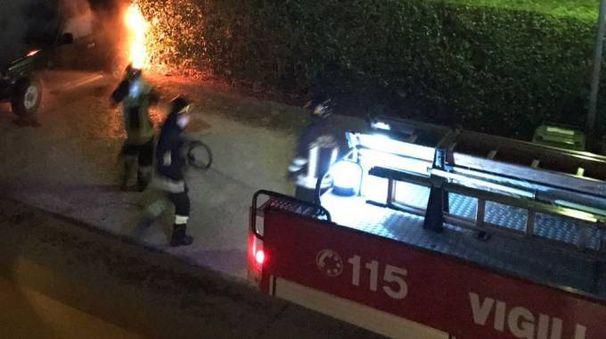 Vigili del fuoco in azione (foto di repertorio)