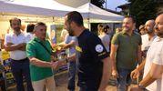 Salvini con i volontari della festa della Lega (foto Frasca)