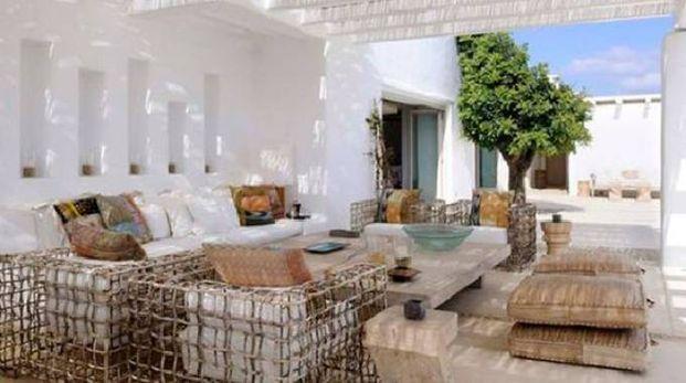 Arredamento Stile Mediterraneo : Outdoor in stile mediterraneo per la casa al mare magazine tempo