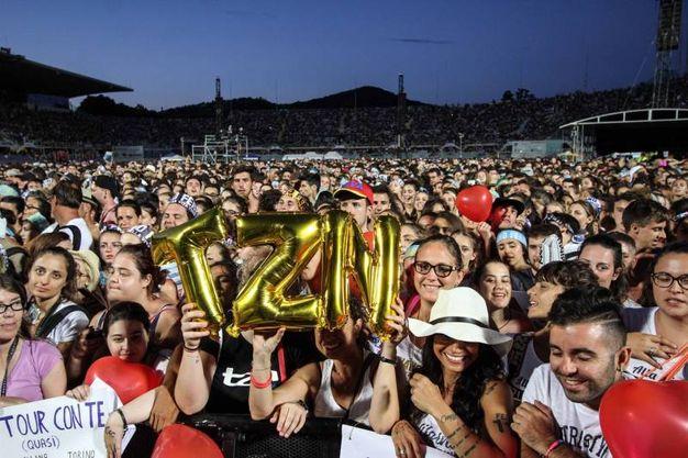 I fan di Tiziano Ferro (Tania Bucci / New Press Photo)