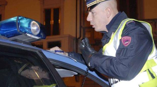 Un agente della polizia