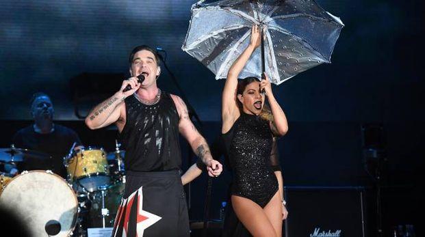 Robbie Williams durante il concerto