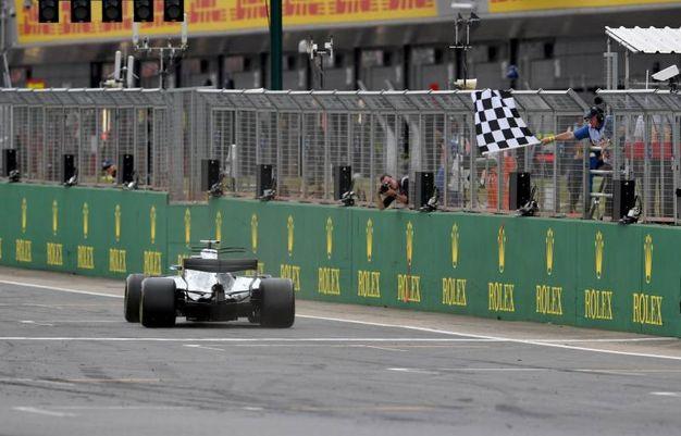 Doppietta Mercedes a Silverstone. Primo Hamilton, poi Bottas (Afp)