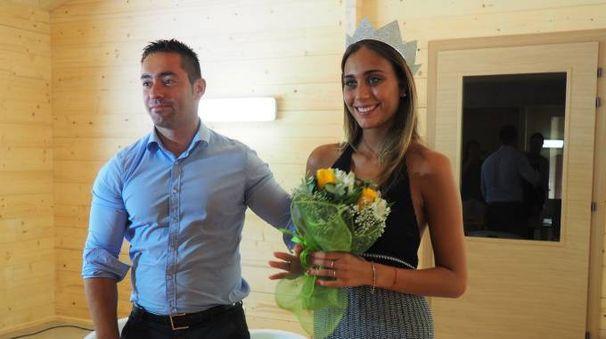 Il sindaco Gentilucci con Rachele Risaliti, miss Italia in carica