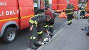 L'allarme e i soccorsi (Foto Attalmi)