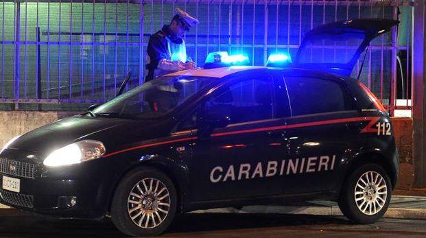 La donna è stata messa in salvo dai carabinieri
