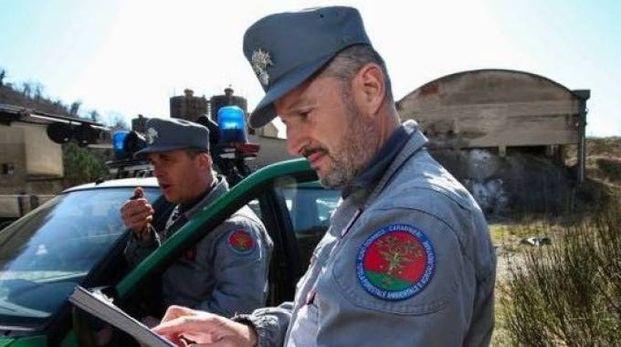 I militari del nucleo investigativo di polizia ambientale durante i sopralluoghi