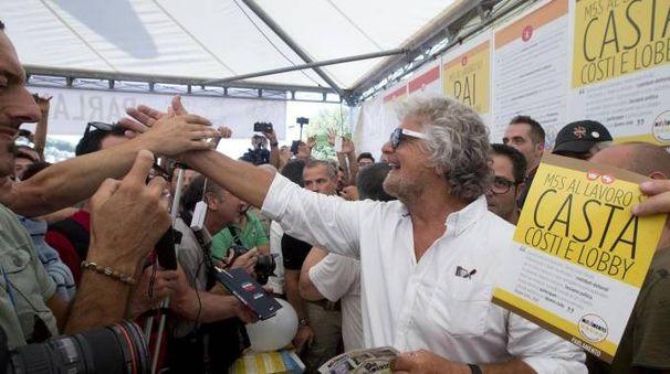 Beppe Grillo alla convention del Movimento 5 Stelle a Roma (Foto Ansa)
