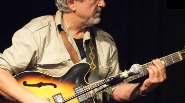 Juan Carlos Biondini storico chitarrista di Francesco Guccini