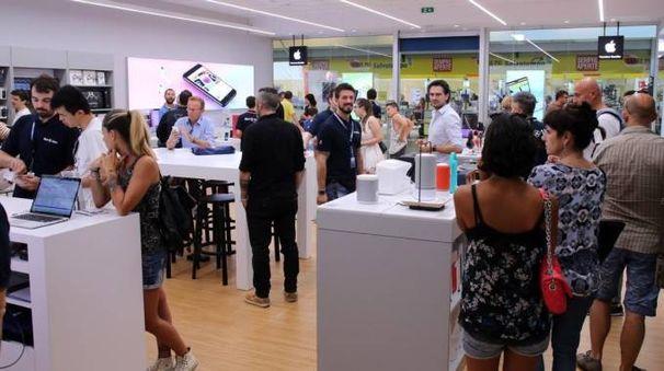 Il Med Store Nova al Centro Nova di Bologna
