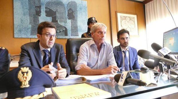 Al centro il procuratore Nicolosi con i pm  Gestri e Boscagli (Attalmi)