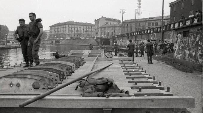 La Darsena e i Navigli nelle foto storiche (Newpress)