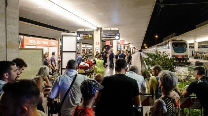 Allarme alla stazione di Santa Maria Novella (Cabras/New Press Photo)