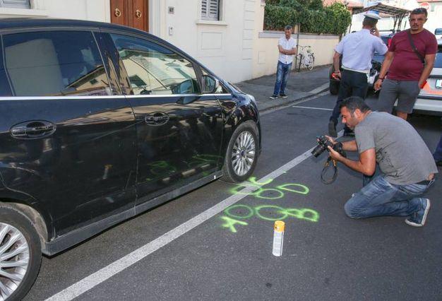 Firenze, spari in via Marconi: immigrato reagisce a un controllo nella colluttazione sottrae la pistola a un vigile e spara a terra (Fotocronache Germogli)