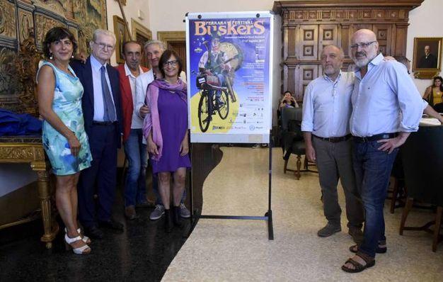 La presentazione in Comune, con in sindaco Tagliani e l'ex sindaco Soffritti (foto Businesspress)