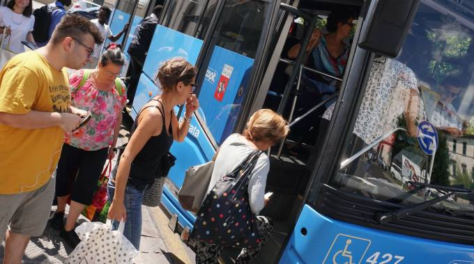 Al posto dei treni i bus