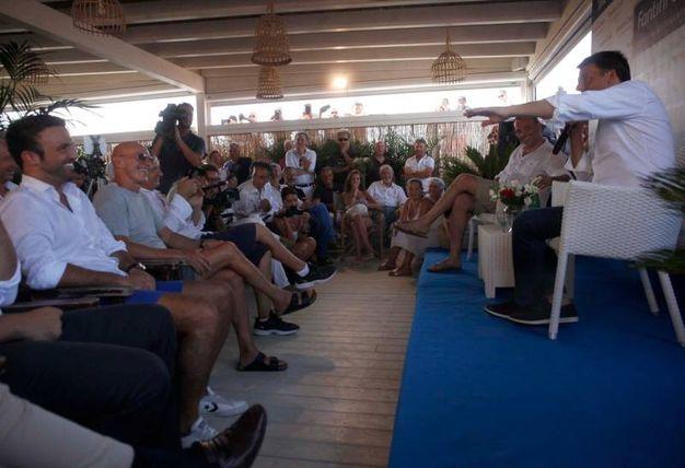 Il segretario Pd incassa applausi ma anche dissensi  (foto Corelli)