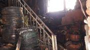 L'interno della casa dopo l'incendio