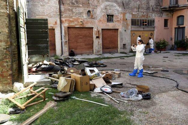 Ferrara stermina la famiglia e si spara ecco il piano di for Piani della casa del barndominio
