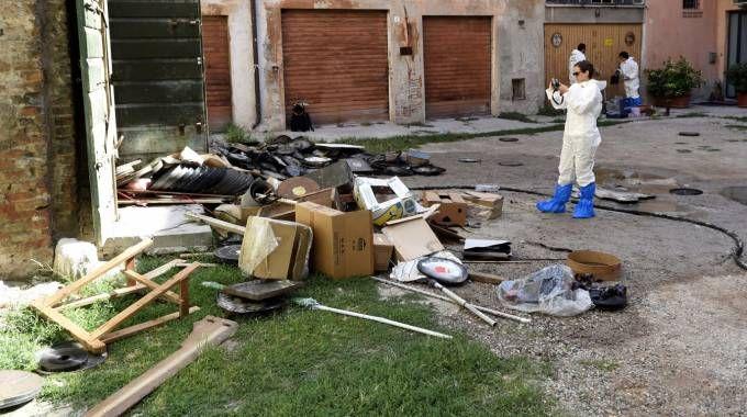 Omicidio suicidio a Ferrara: la casa incendiata (Foto Businesspress)