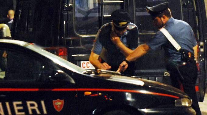 I carabinieri sono intervenuti per riportare la situazione alla calma (Foto Brianza)