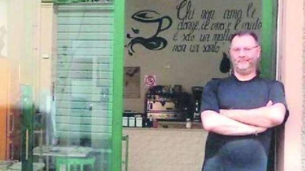 Sergio Rossi, titolare del Ca' di pom, bar-risto di via Roma a Reggio