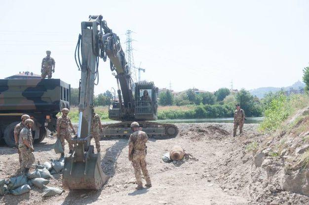 Le operazioni per il disinnesco della bomba sono iniziate poco dopo le 10 (Foto Schicchi)