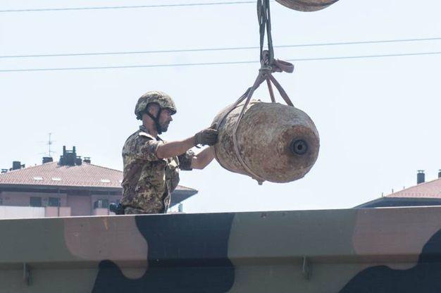 I militari al lavoro (Foto Schicchi)