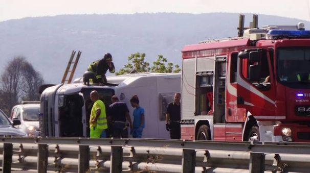 I soccorsi dopo l'incidente (Acerboni / FotoCastellani)