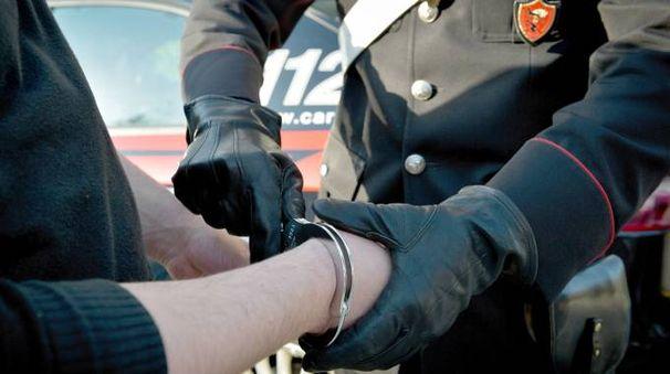 Il pluripregiudicato riminese è stato arrestato